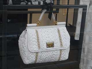 e164ab049525 Italienische Taschen  online Shops und Taschen Outlets