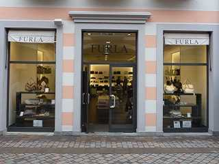 Outlet Italy Rome Castel Romano: Designer Outlet in Rome